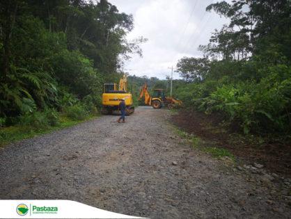 Continuan los trabajos de limpieza de taludes, cunetas, y deslizamientos en la vía El Triunfo-Villano-Paparahua