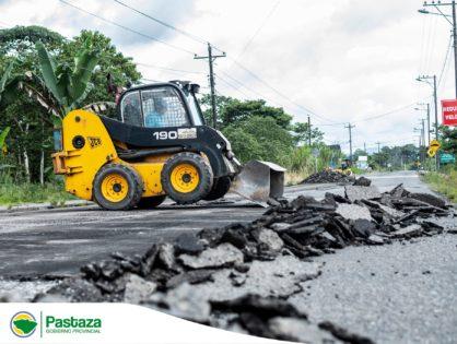 Inicio de trabajos de remoción de capa asfáltica del tramo vial Puyo - Tarqui - Madre Tierra