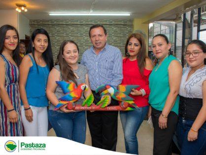 """Entrega de Personería Jurídica La Asociación de Servicios Turísticos Amazonía Ecuador Travel """"ASOTURAET"""" por parte del GADPPz"""