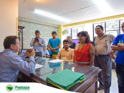"""Representantes de la comunidad de Washitsa de la parroquia Simón Bolívar visitaron a nuestro Prefecto Jaime Guevara en su despacho con la tradicional """"chicha"""" bebida ceremonial y milenaria"""