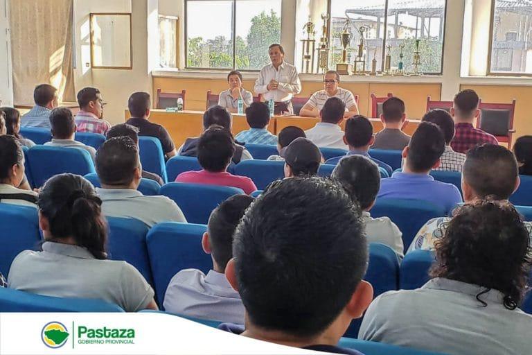 Prefecto Provincial mantiene reunión de trabajo con los coordinadores de programas, proyectos y equipo técnico del departamento de Desarrollo Sustentable