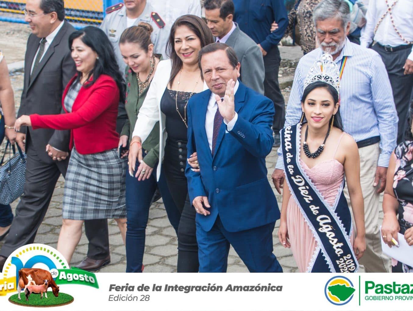 Prefecto Provincial participó del desfile y sesión solemne por los 52 años de parroquialización de la 10 de Agosto