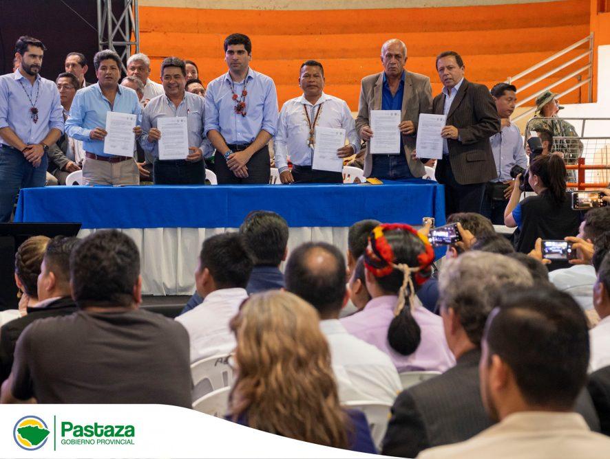 Jaime Guevara, Prefecto Provincial, junto a representantes de los cantones de Pastaza, Mera, Arajuno y Santa Clara, realizaron la suscripción de importantes acuerdos de financiamiento.