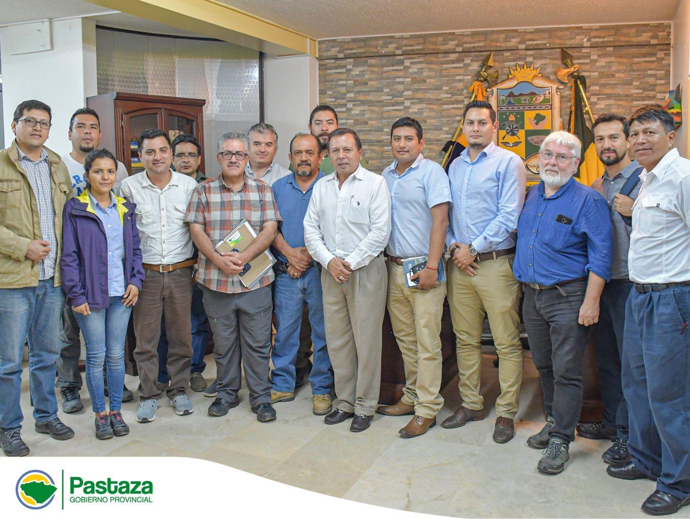 Jaime Guevara, Prefecto de Pastaza recibió en su despacho a representantes de las ONGs.