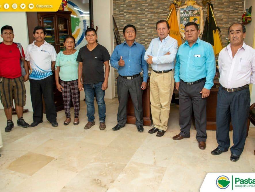 Prefecto Provincial recibió en su despacho a una comitiva de moradores de las comunidades de San Carlos y 24 de Mayo.