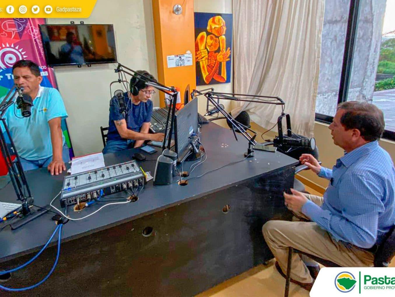 Entrevista en Radio Super Tropicana abordando temas de importancia para la provincia.