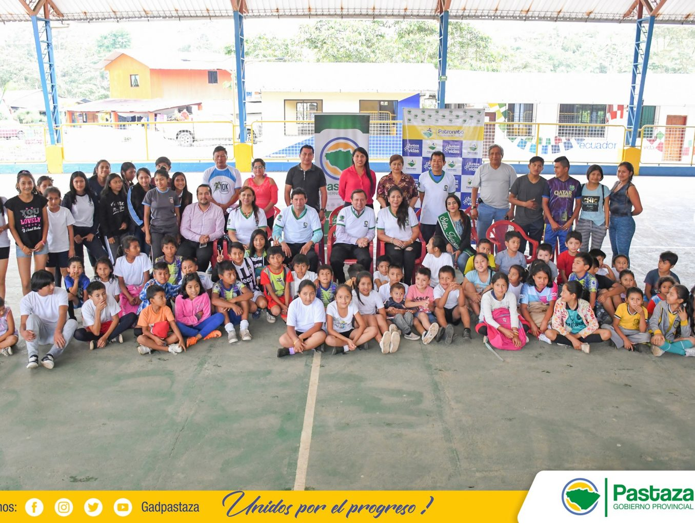 Prefecto Provincial inauguró la Escuela de Fútbol de la parroquia Tnte. Hugo Ortiz.