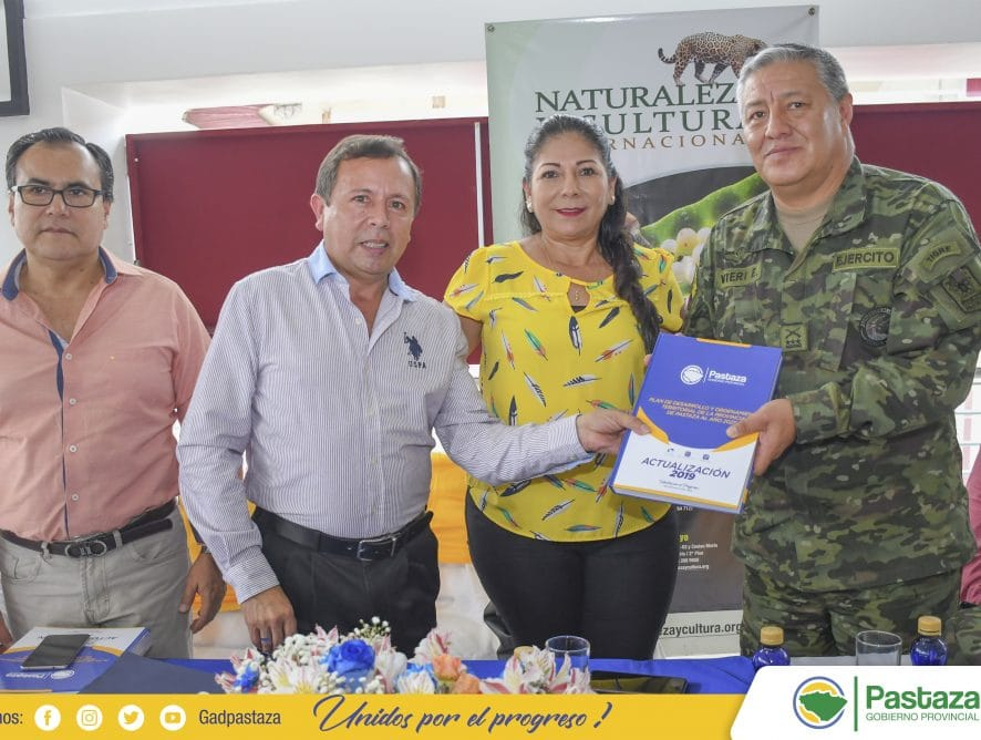 El Prefecto, Jaime Guevara, en acto oficial realizó la entrega del PDOT.