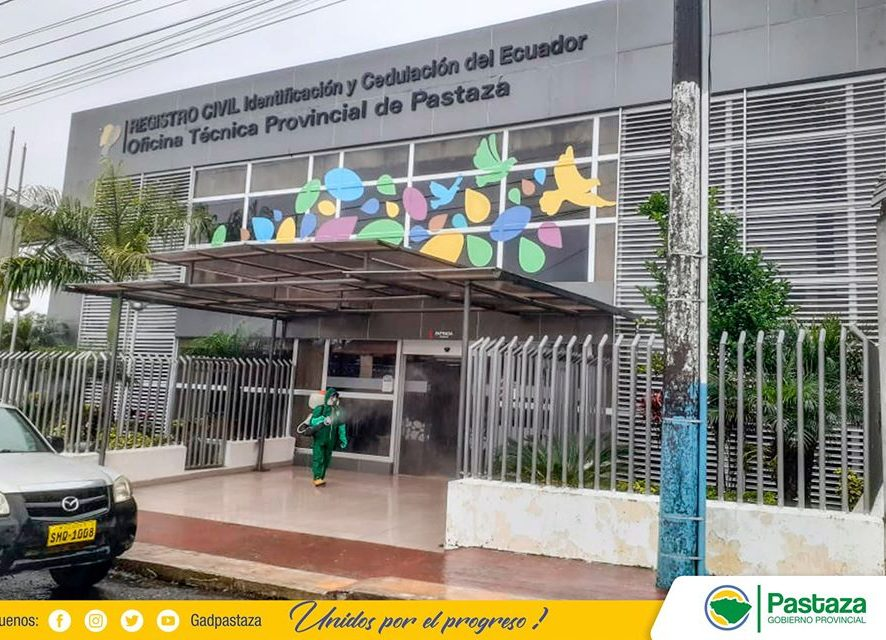 Prefectura de Pastaza realizó la desinfección en las instalaciones del Registro Civil.