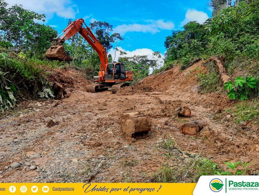 Apoyamos al mantenimiento de la vía Canelos-Latazas.
