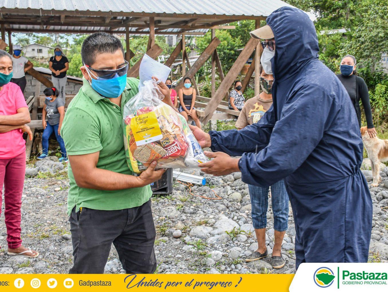 En el sector Bella Unión, perteneciente al Barrio La Unión, se entregó 63 kits alimenticios.
