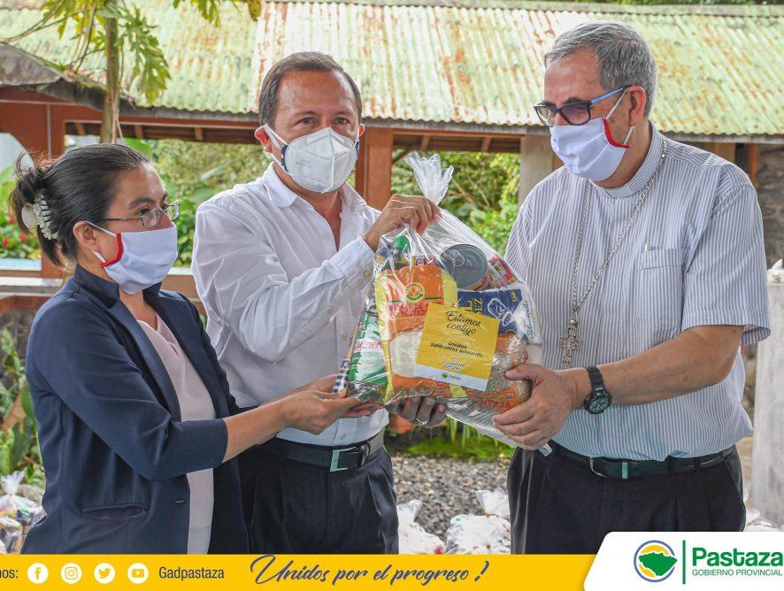 Entregamos kits alimenticios a los sectores afectados por la emergencia sanitaria.