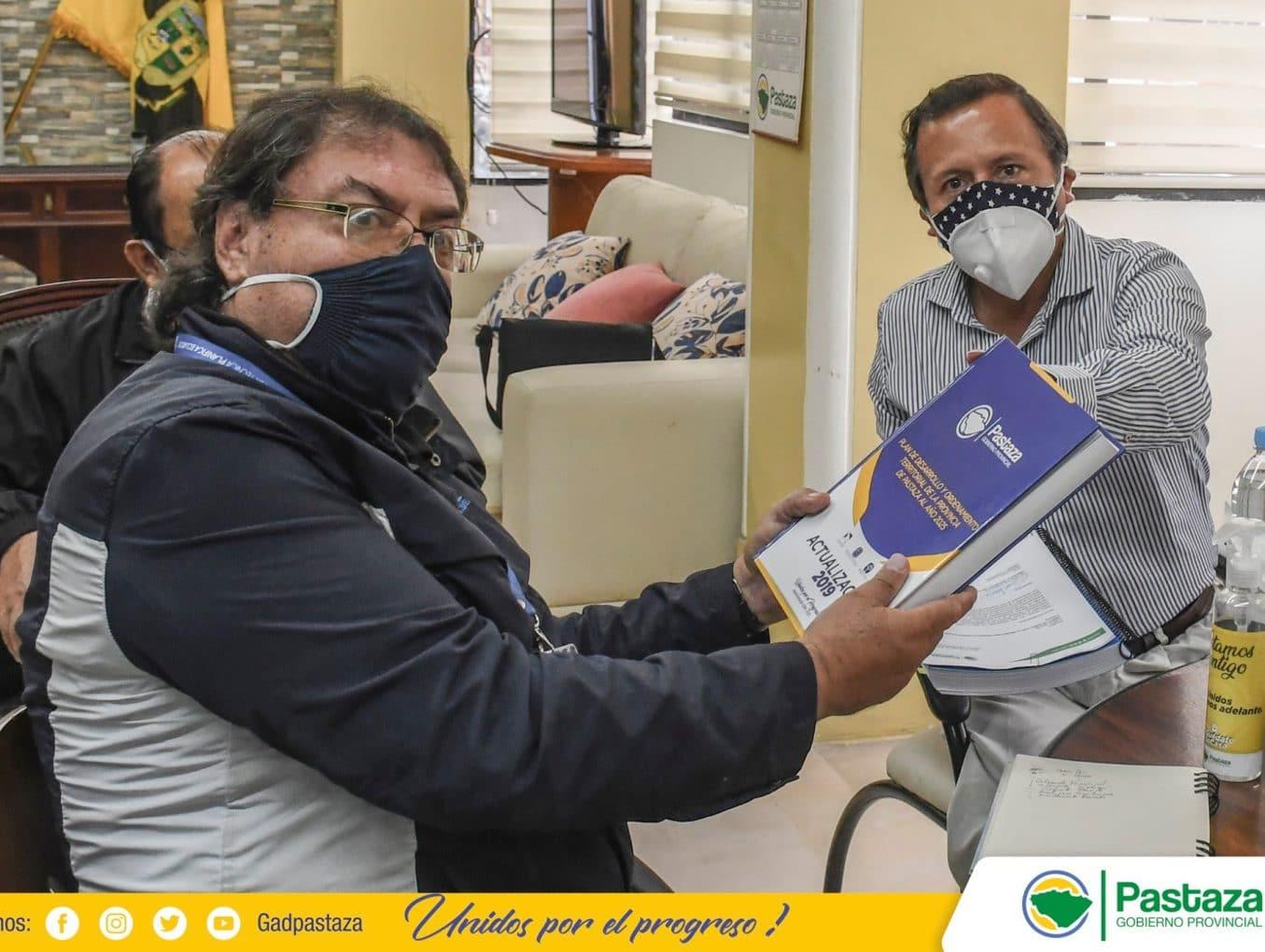 Prefecto realizó la presentación del PDOT a Planifica Ecuador.