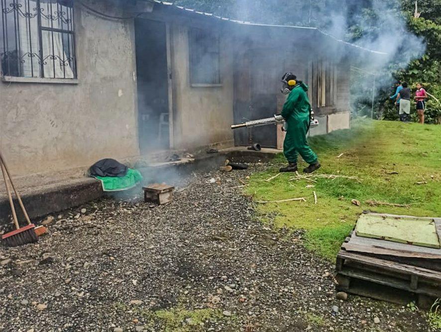 Realizamos desinfección con termonebulizador en el sectores de San Jorge, Rey del Oriente y San Vicente del cantón Santa Clara.