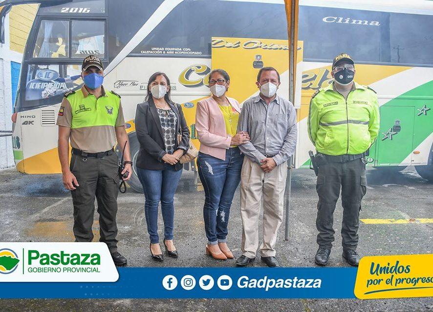 Prefectura de Pastaza brinda apoyo al transporte de pasajeros con la desinfección vehicular