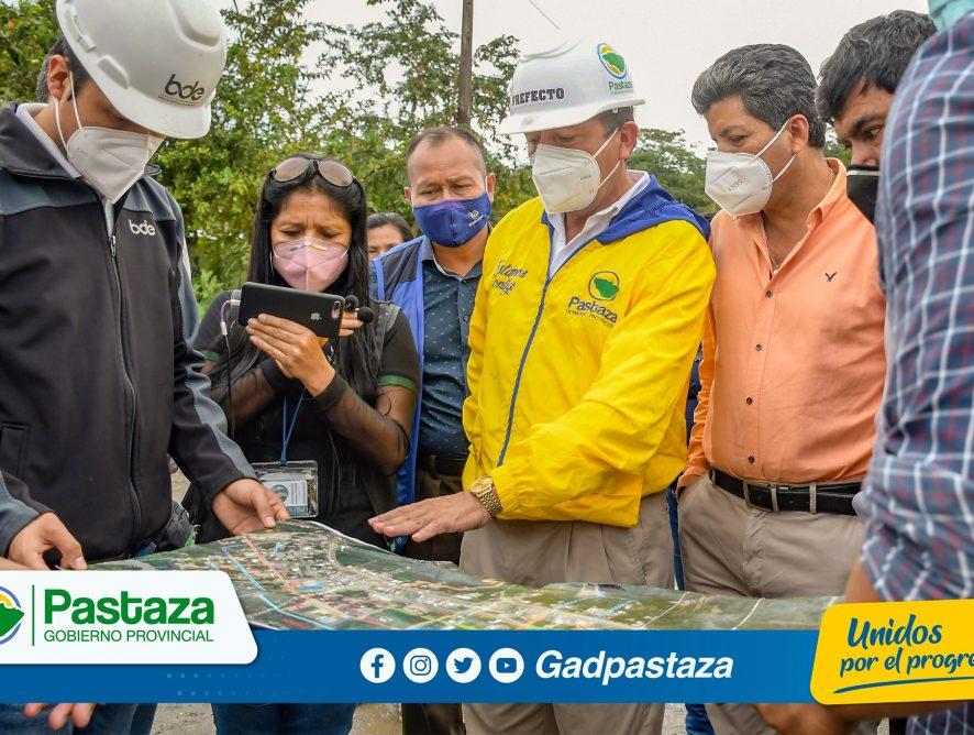 ¡Prefecto recorrió el proyecto de asfalto del barrio las playas financiado por el Banco de Desarrollo del Ecuador!