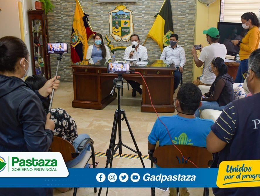 ¡Dos proyectos para potenciar la producción de la guayusa y vainilla firmó el Prefecto de Pastaza!