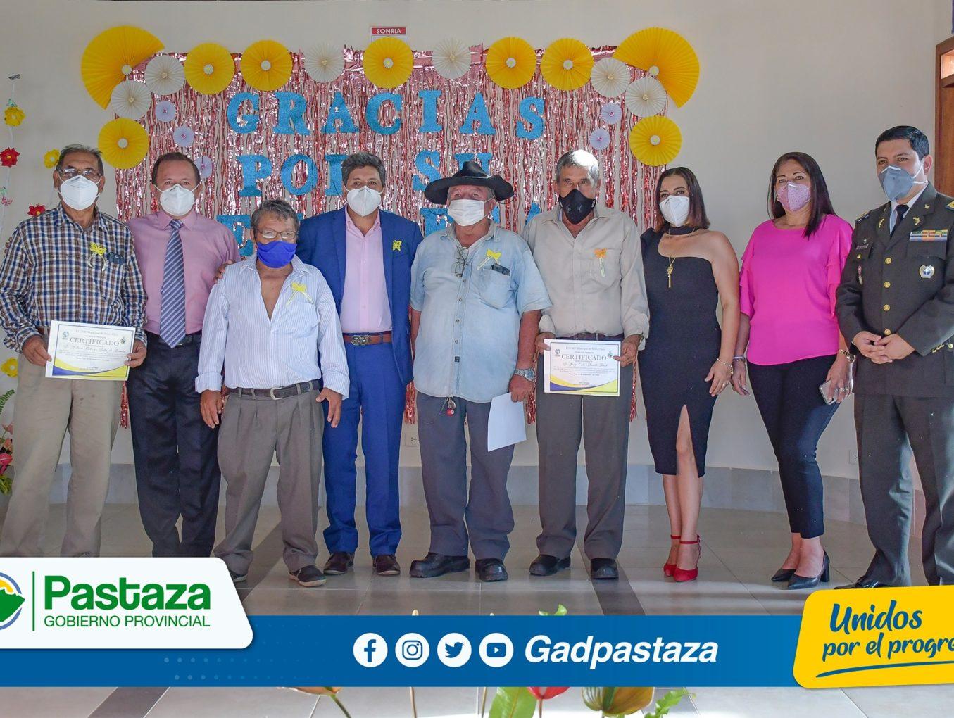 Prefecto participó en despedida de funcionarios del GADM Santa Clara que cumplieron su ciclo como servidores públicos
