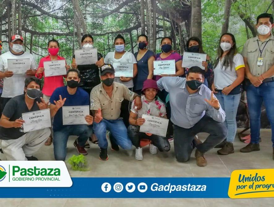 Capacitación sobre cambio climático brindaron técnicos de la Prefectura de Pastaza a miembros de la ASO de Sordos de #Pastaza
