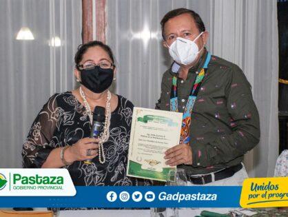¡Fundación Hola Vida nombró Socio Honorífico al Prefecto de Pastaza!