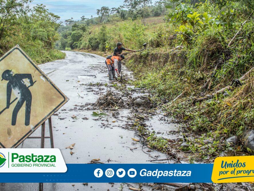 ¡Trabajos de mantenimiento  de la vía  a Canelos continua en ejecución!