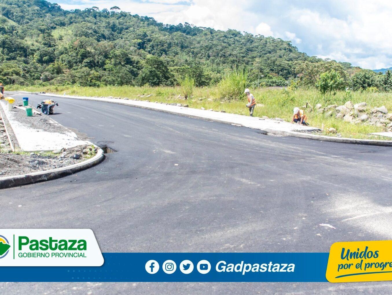 El trabajo de asfaltado en el barrio Las Playas avanza según cronograma