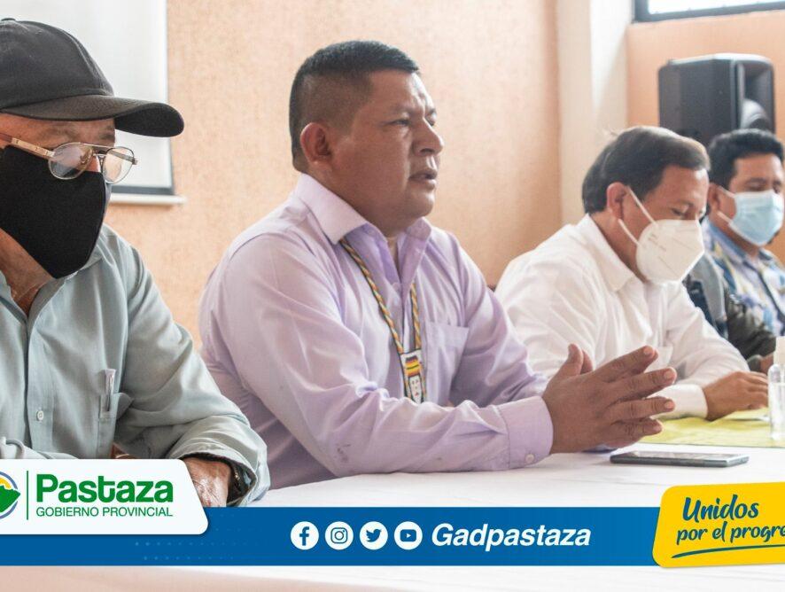 Prefecto participó de una reunión en el GAD Parroquial Simón Bolívar con representantes de varias comunidades