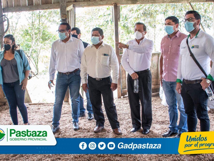 Prefecto de Pastaza participó en la entrega de Certificados de la Recertificación de Predios Libres de Brucelosis y Tuberculosis