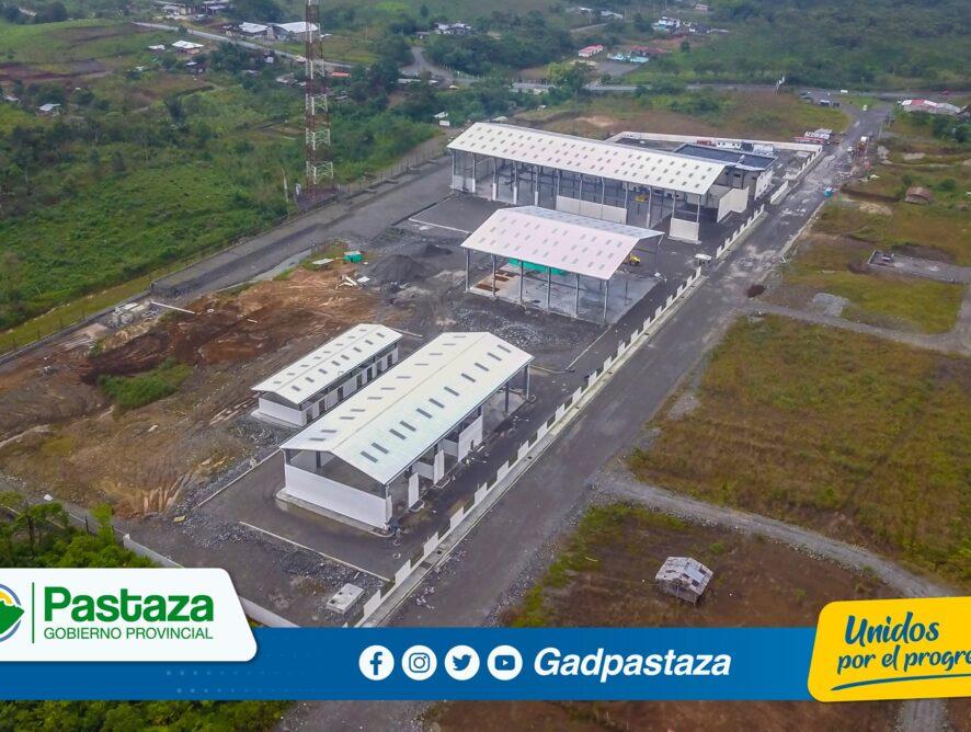 ¡Prefecto constató el avance de la construcción de los hangares en Fátima!