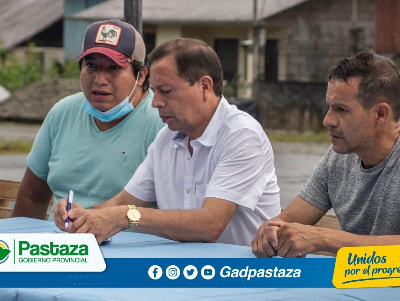 ¡Prefecto, Jaime Guevara, participó de una reunión de trabajo en el sector Cabeceras del Bobonaza!