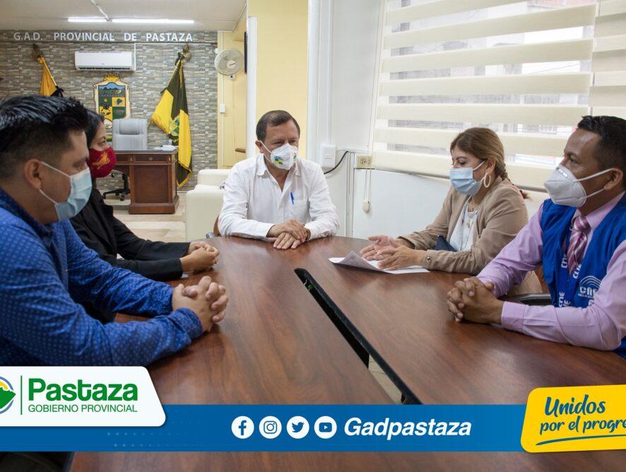 Prefecto recibió en su despacho una delegación del CNE Pastaza.