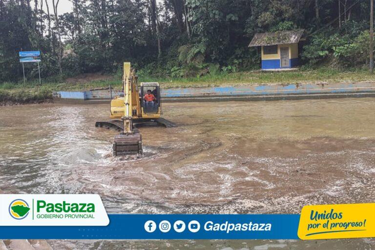 ¡Prefectura realizó trabajos de limpieza  en el dique de Veracruz!