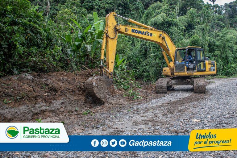 Trabajos de reparación y mantenimiento  se realiza en el Km. 24 de la vía El Triunfo-Villano