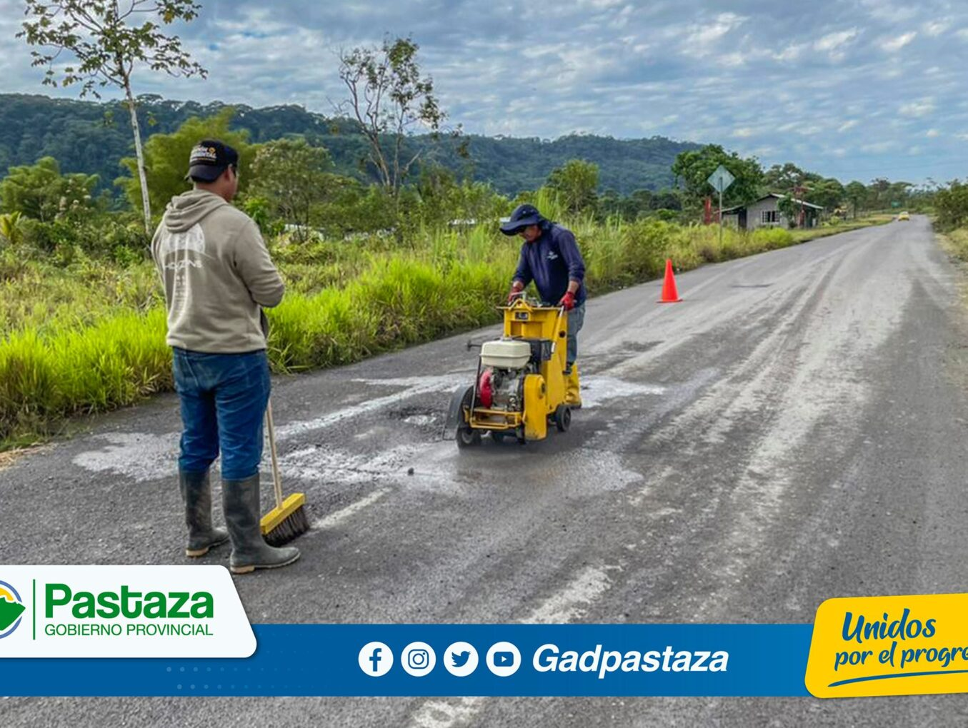¡Trabajos de bacheo se realizó en la vía San José-Puerto Santa Ana!